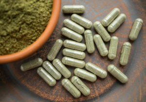 how does Kratom work in the brain?
